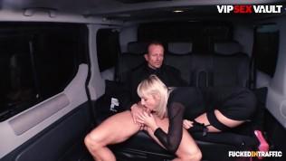 FuckedInTraffic – Извращенная чешская тинка Кэти Роуз сосет и трахается со своим личным водителем в машине