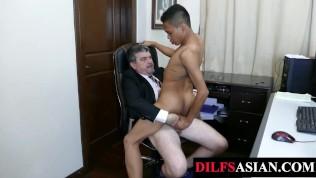 Porn Gay XXX  Dicksucking Asian twink bareback drilled by daddy