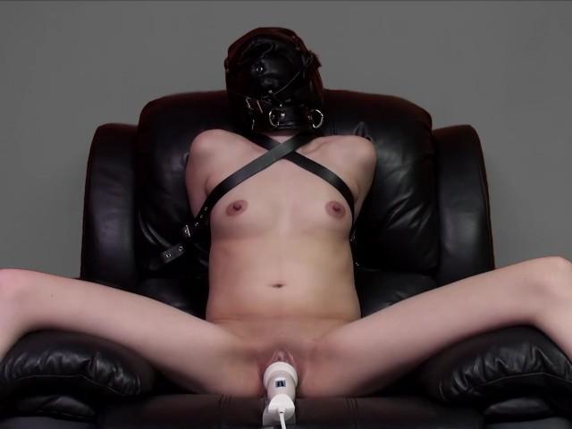 girl pleasuring herself dildo