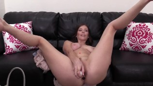 Beautiful All Natural Girl Jasmine Gives A Rimjob And Gets Her Ass Packed!