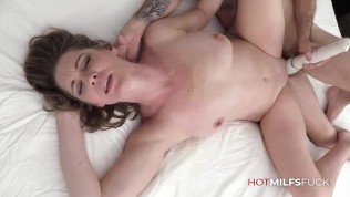 Hot MILF Jessie James First Fuck Casting Getting A Huge Cock And Facial Cusmhot