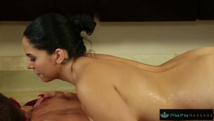 Video massage nuru