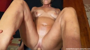 GILF Lola Diamond visits West Philly Dungeon