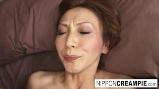 Erotic Asian sex ends in a facial
